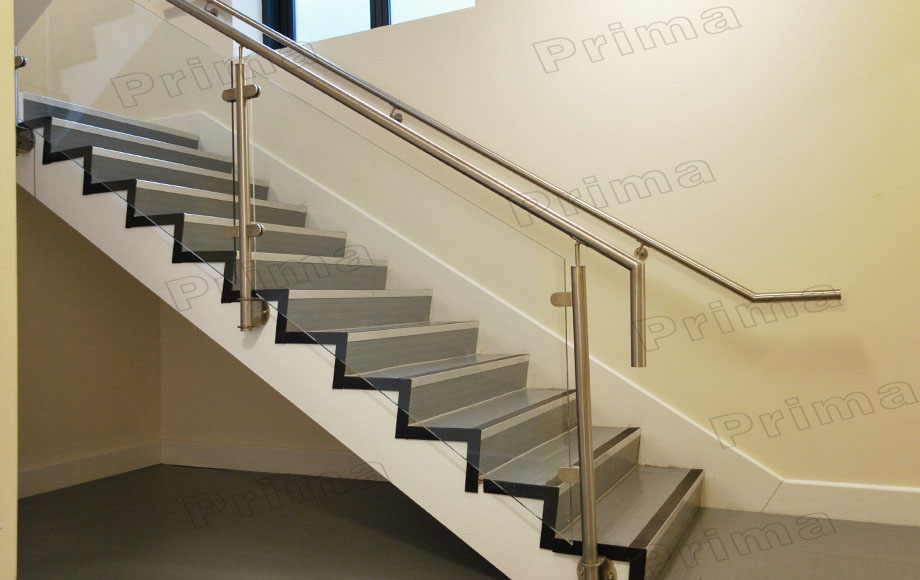 Charming Side Mounted Stainless Steel Post Glass Railing For Staircase Railing