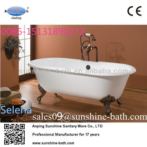 clawfoot cast iron bathtub